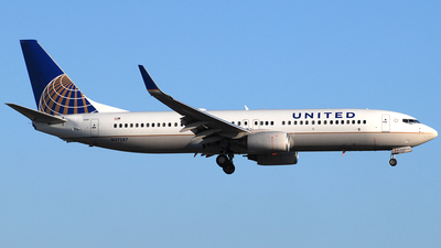 N37287 - Boeing 737-824 - United Airlines