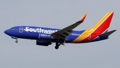 N7825A - Boeing 737-7CT - Southwest Airlines