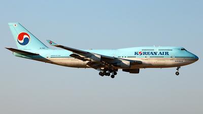 A picture of HL7461 - Boeing 7474B5 - Korean Air - © Benjamin J. Suh
