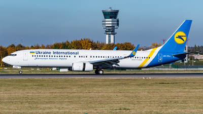 UR-PSJ - Boeing 737-9KVER - Ukraine International Airlines