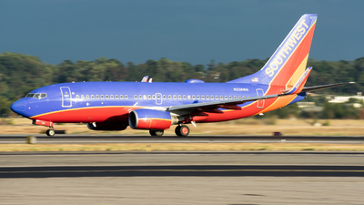 A picture of N238WN - Boeing 7377H4 - Southwest Airlines - © Peter Weiland