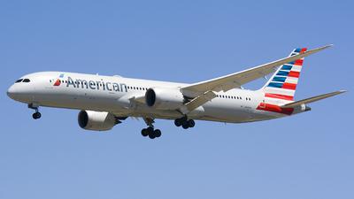 A picture of N820AL - Boeing 7879 Dreamliner - American Airlines - © Yu Haoxun