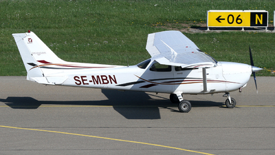 A picture of SEMBN - Cessna 172S Skyhawk - [172S10160] - © Terry Figg