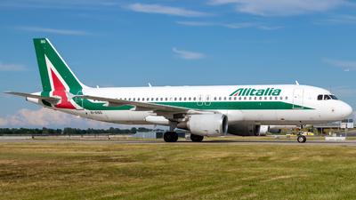 A picture of EIDSG - Airbus A320216 - Alitalia - © Martin Tietz