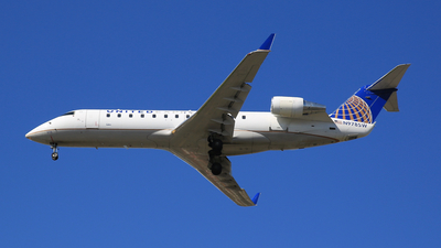 A picture of N978SW - Bombardier CRJ200ER - United Airlines - © Jonathan Kang