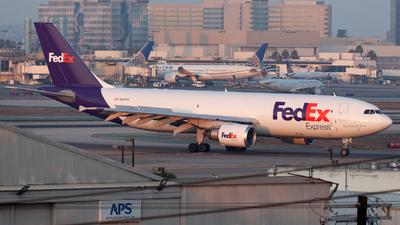 A picture of N651FE - Airbus A300F4605R - FedEx - © William Vignes