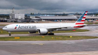 N727AN - Boeing 777-323ER - American Airlines