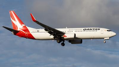 A picture of VHVXB - Boeing 737838 - Qantas - © John Yu