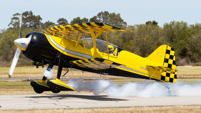 VH-WOQ - Pitts 12S - Private