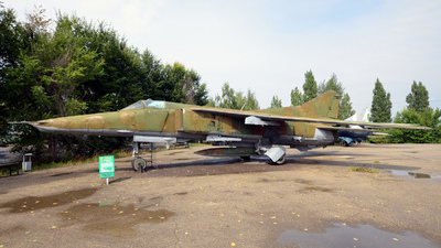 08006 - Mikoyan-Gurevich MiG-27 Flogger - Russia - Air Force