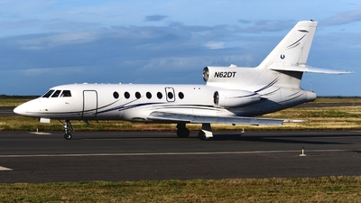 A picture of N62DT - Dassault Falcon 50 - [200] - © Abram Chan - AirTeamImages