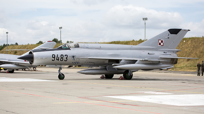 9483 - Mikoyan-Gurevich MiG-21 Fishbed - Poland - Air Force