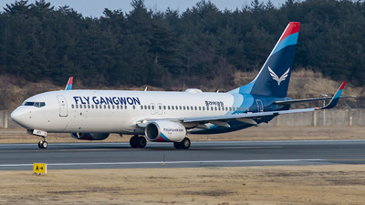 HL8377 - Boeing 737-8JP - Fly Gangwon