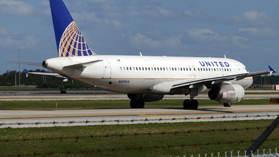 N429UA - Airbus A320-232 - United Airlines