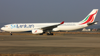 A picture of 4RALO - Airbus A330343 - SriLankan Airlines - © TANG MIN XIN