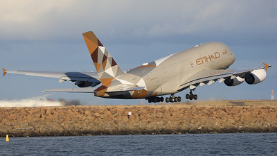A6-APG - Airbus A380-861 - Etihad Airways
