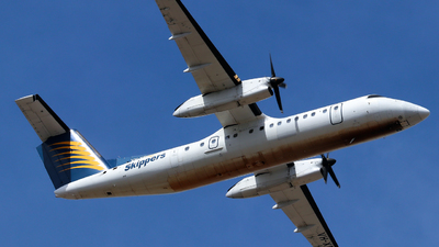 A picture of VHXFW - De Havilland Canada Dash 8300 - [356] - © Robbie Mathieson