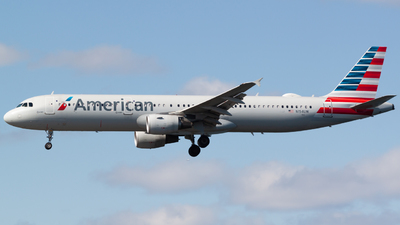 A picture of N154UW - Airbus A321211 - American Airlines - © Ben Underhill