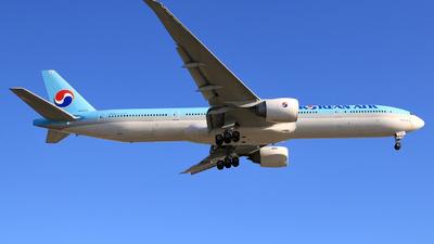 HL8250 - Boeing 777-3B5ER - Korean Air