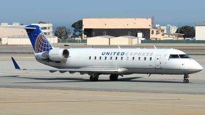 A picture of N925SW - Mitsubishi CRJ200LR - United Airlines - © Jason Whitebird
