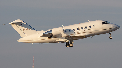 D-AZZA - Bombardier CL-600-2B16 Challenger 605 - Private