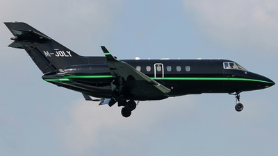 M-JOLY - Hawker Beechcraft 900XP - Private