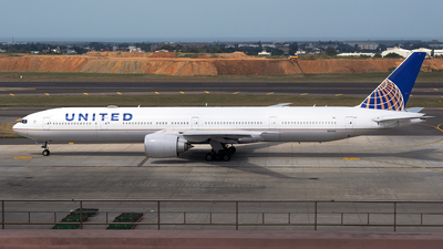 A picture of N2639U - Boeing 777322(ER) - United Airlines - © HHD0221