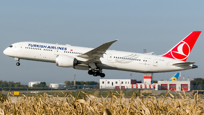 TC-LLK - Boeing 787-9 Dreamliner - Turkish Airlines