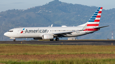 A picture of N882NN - Boeing 737823 - American Airlines - © Cristian Quijano