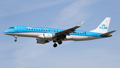 A picture of PHEZW - Embraer E190STD - KLM - © Marvin Knitl