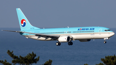 A picture of HL7724 - Boeing 7379B5 - Korean Air - © YoungKyun Shin