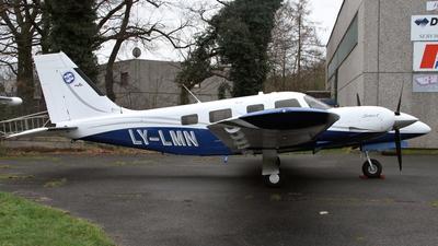 A picture of LYLMN - Piper PA34220T Seneca V - [3449409] - © Daniel Schwinn