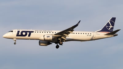 SP-LNF - Embraer 190-200LR - LOT Polish Airlines
