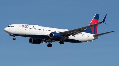 N883DN - Boeing 737-932ER - Delta Air Lines