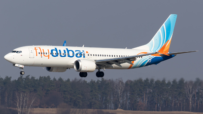 A picture of A6FMD - Boeing 737 MAX 8 - FlyDubai - © Łukasz Stawiarz