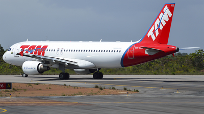 PR-MHK - Airbus A320-214 - TAM Linhas Aéreas