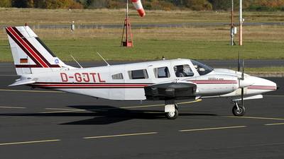 D-GJTL - Piper PA-34-220T Seneca III - Private