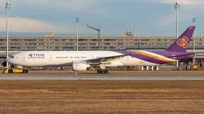 HS-TKN - Boeing 777-3ALER - Thai Airways International