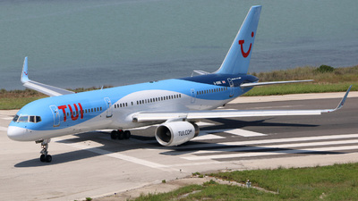G-OOBE - Boeing 757-28A - TUI
