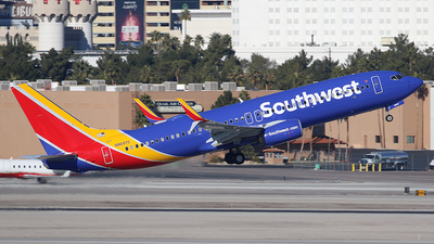 N8697C - Boeing 737-8H4 - Southwest Airlines