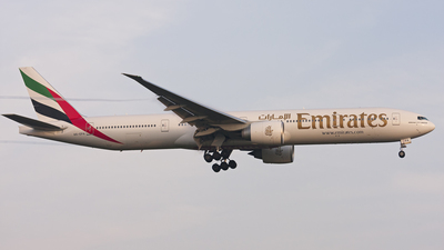 A6-EPA - Boeing 777-31HER - Emirates