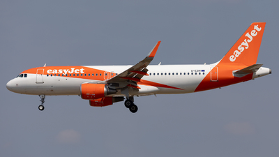 G-EZRI - Airbus A320-214 - easyJet