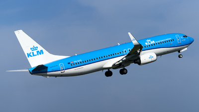 A picture of PHBXG - Boeing 7378K2 - KLM - © Fernando Roca