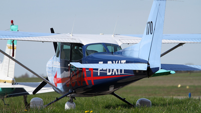 F-BXIT - Reims-Cessna F172M Skyhawk - Private
