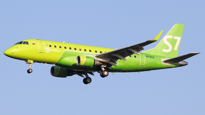 A picture of VQBYB - Embraer E170SU - S7 Airlines - © Vitaly Revyakin