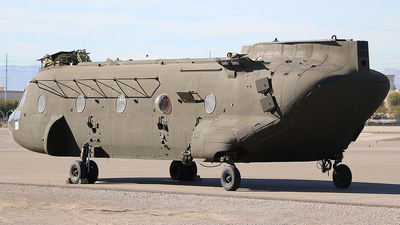 90-00204 - Boeing CH-47D Chinook - Private