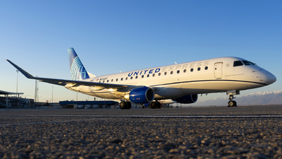 A picture of N620UX - Embraer E175LL - United Airlines - © Michael Rodeback