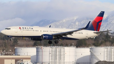 A picture of N3733Z - Boeing 737832 - Delta Air Lines - © yyj_plane_spotter