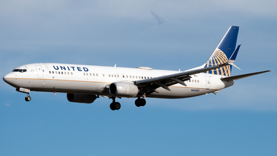 A picture of N68880 - Boeing 737924(ER) - United Airlines - © Michael Place