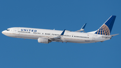 A picture of N53442 - Boeing 737924(ER) - United Airlines - © bill wang